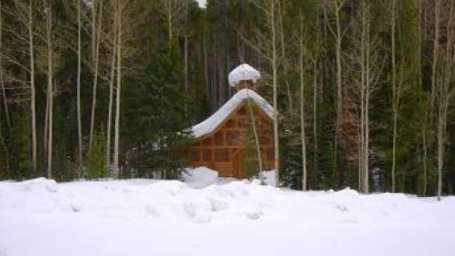 rocky-mountain-snowbile-rental-steamboat-bed-and-sled-rental